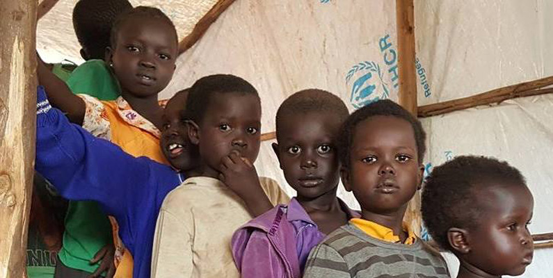 Papa denuncia «ilegalidade e violência» que hipotecam futuro de crianças e jovens