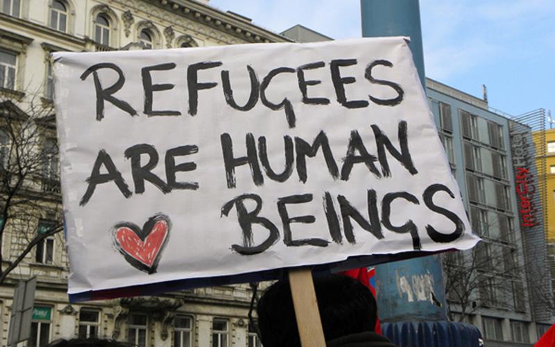 Papa sai em defesa de migrantes e refugiados, por um mundo «mais solidário e acolhedor»